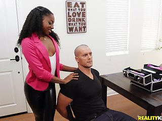 Sexy ebony Anne Amari is a real old hand of a hand job before a doggy style