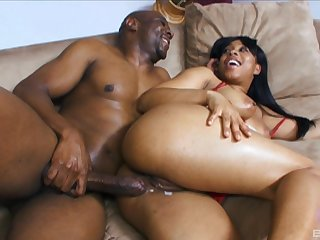 Ebony beauty Myeshia Nikole gets her pussy cream pied by a black cock