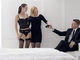 Hot coupling having fun with a tied apropos babe