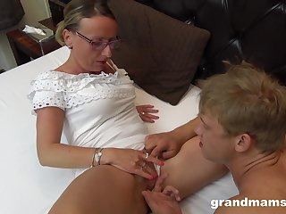 Sarah Jessie gets her shaved pussy trained with an increment of pounded by horny dude