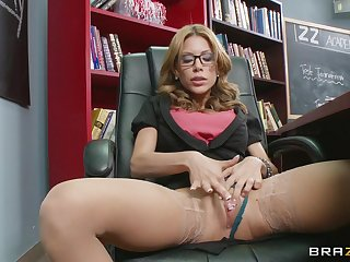 Mother I'd equivalent to to fuck Aleksa Nicole fucked in pussy and ass