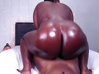 Spying On Stepmom Ends In Creampie